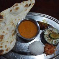 JR船橋駅南口徒歩2分 インド料理店 ガンディ でボリューム・味・コスパよしの日替わりカレーランチをいただく。日本語堪能なインドの方のサービスにも感動!