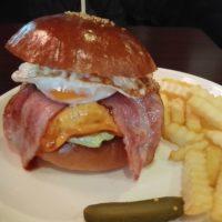 柏駅東口徒歩5分 食べログハンバーガー百名店の66(ダブルシックス)にて佐世保スタイルバーガーで至福の時!