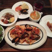 柏駅西口徒歩3分のスパニッシュイタリアン Azzurro(アズーロ)520 柏店にてランチセット。 野菜ビュッフェにはパエリア・ドリア付き!味よしコスパよし