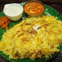 """テラスモール松戸のインド料理店 ナワブにてチキンビリヤニ カリーセット。味よし。'大""""ボリュームに嬉しい悲鳴!"""