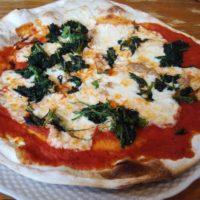 柏駅東口徒歩10分のイタリアン マレア Mare@ 柏本店のピッツァ トンノはほうれん草たっぷり、パリッパリの生地で美味!コスパもよし